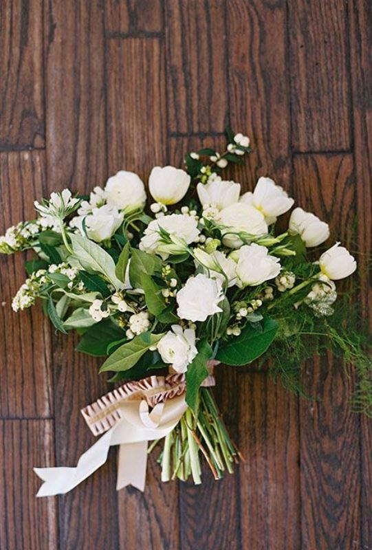 all white wedding bouquets photo - 1