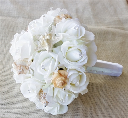 beach wedding flowers bouquets photo - 1