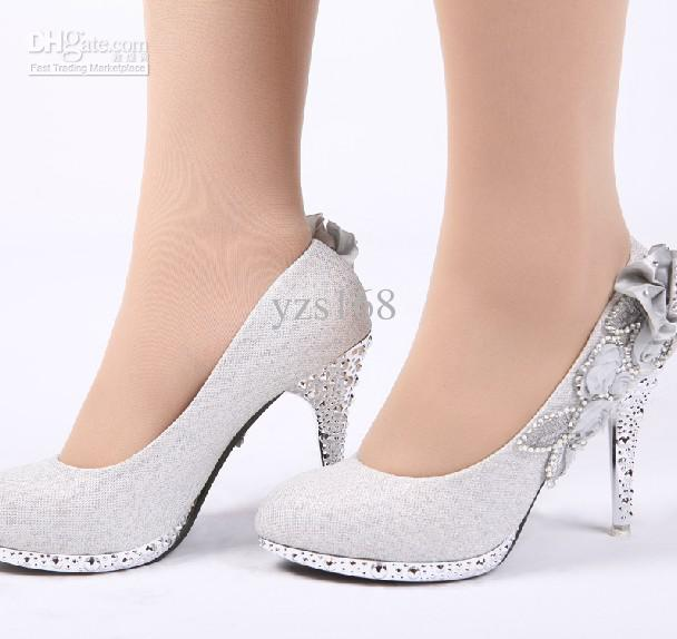 beaded wedding shoes photo - 1