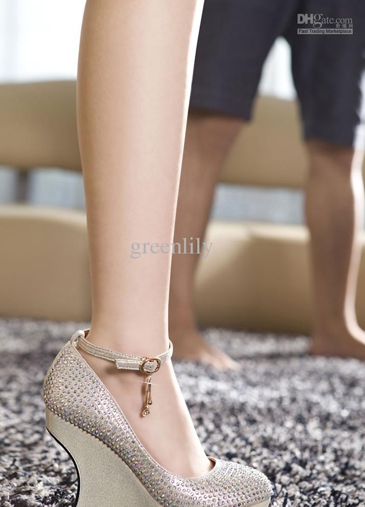 beige wedding shoes photo - 1