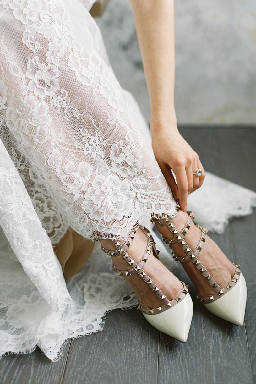 belle wedding shoes photo - 1