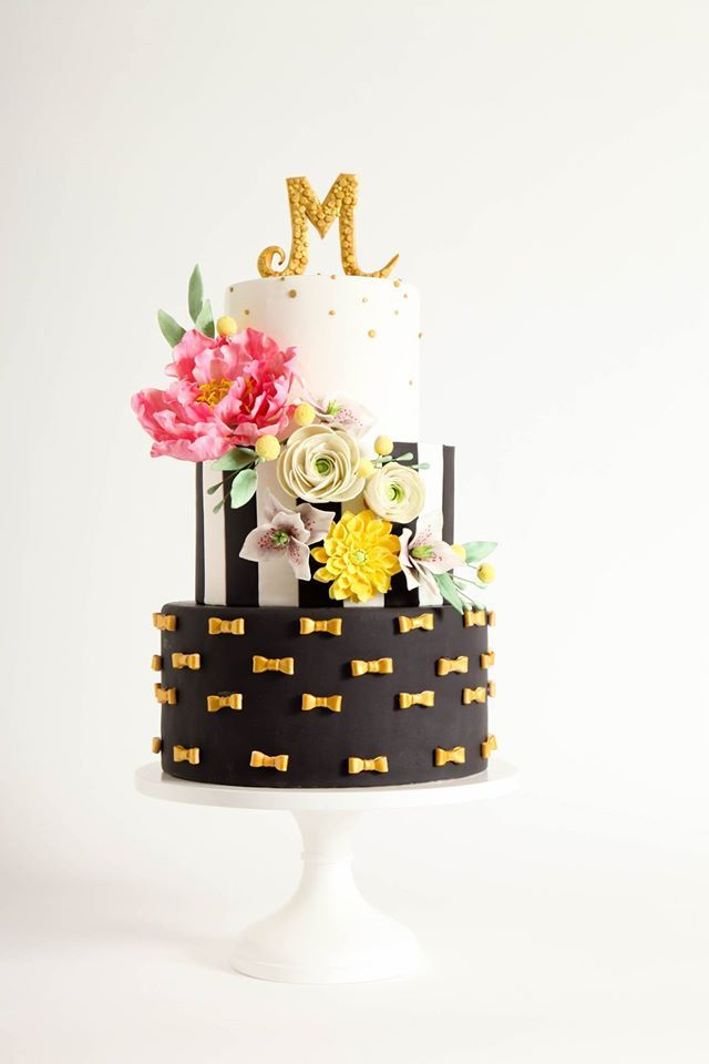 black wedding flowers photo - 1