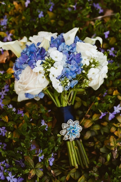 blue and white wedding bouquet photo - 1