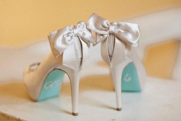 blue sole shoes wedding photo - 1