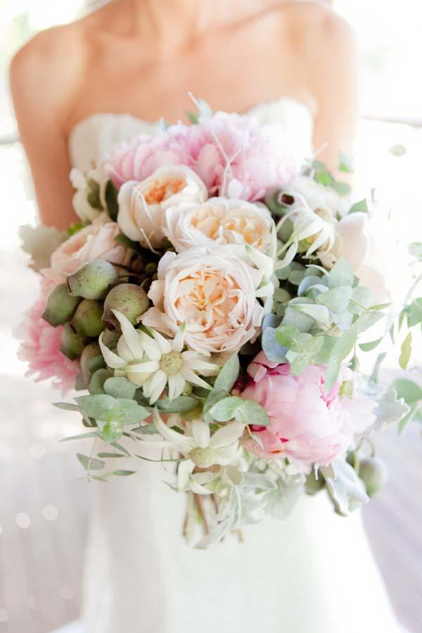 blush and white wedding bouquets photo - 1