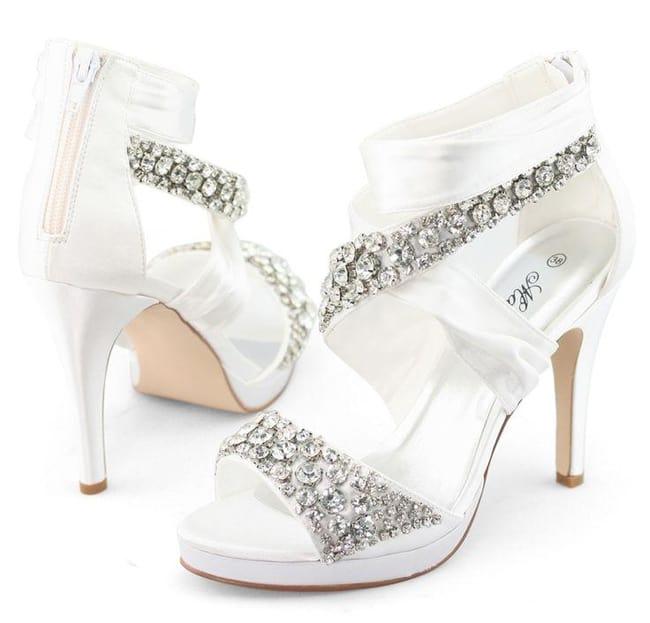 bridal wedding shoes photo - 1