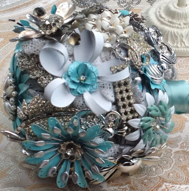 brooch wedding bouquets photo - 1