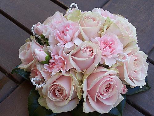 carnation wedding bouquet photo - 1