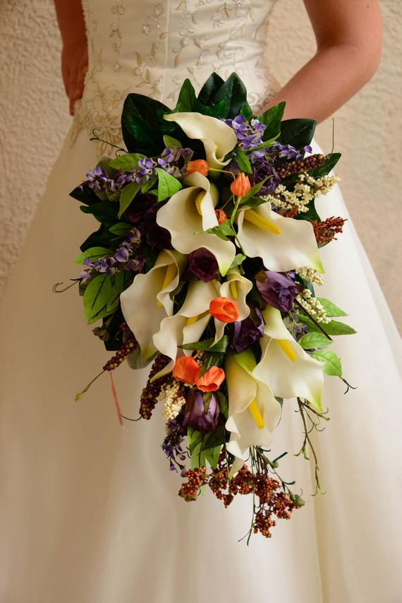 cascade wedding bouquet photo - 1