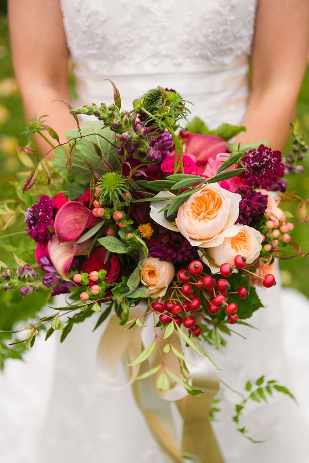 casual wedding bouquets photo - 1