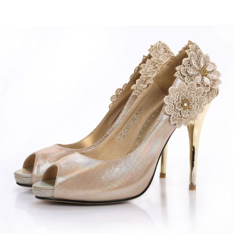 champagne shoes for wedding photo - 1