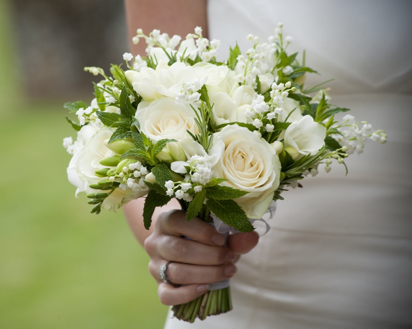 cheap wedding flowers bouquets photo - 1