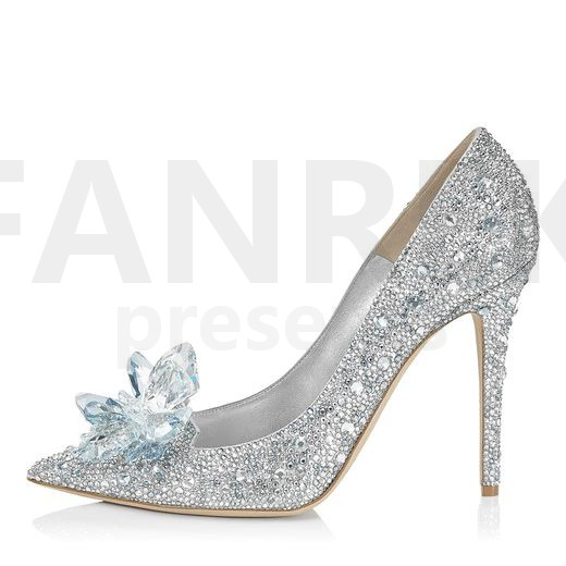 cinderella glass wedding shoes photo - 1