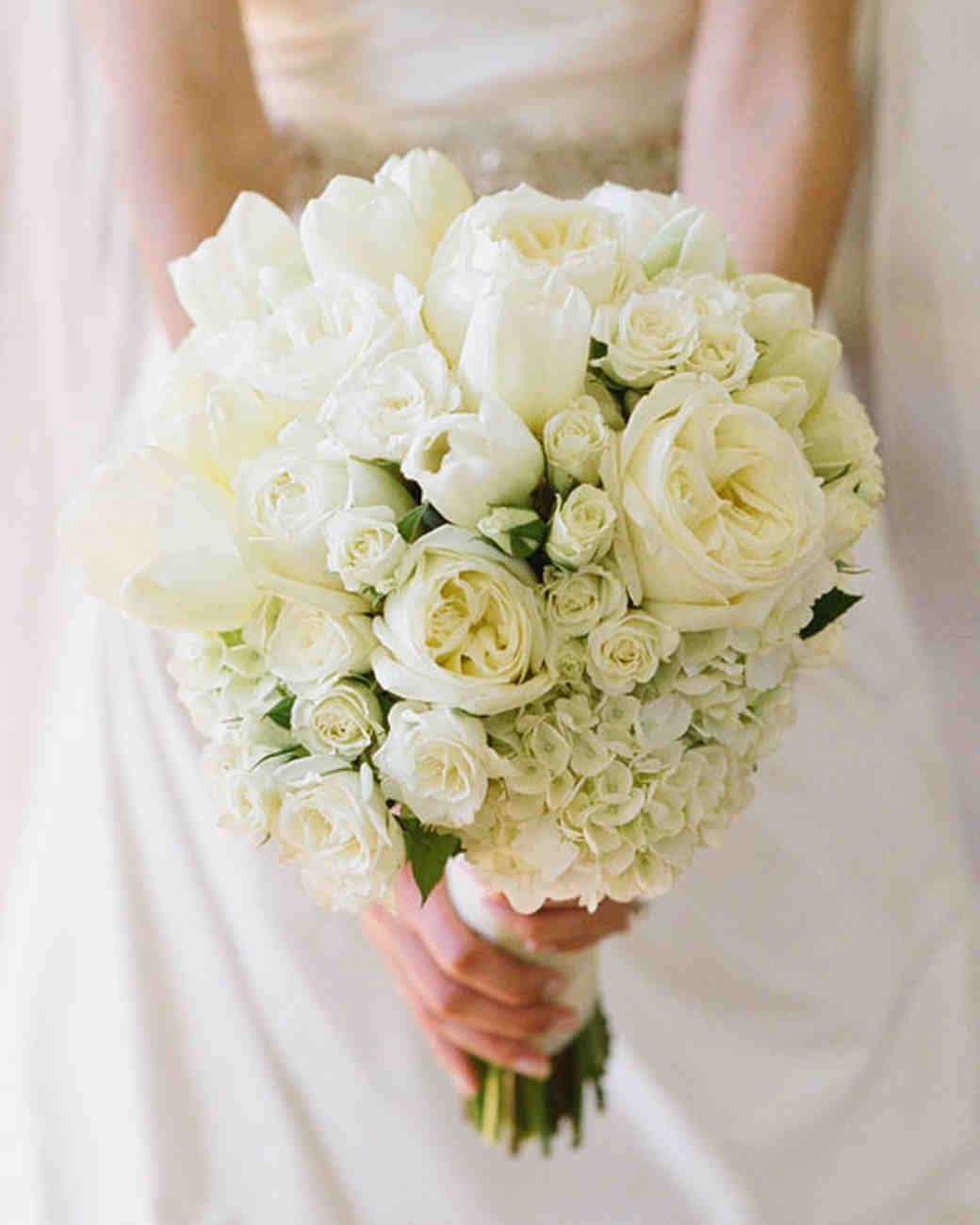 classic wedding bouquets photo - 1