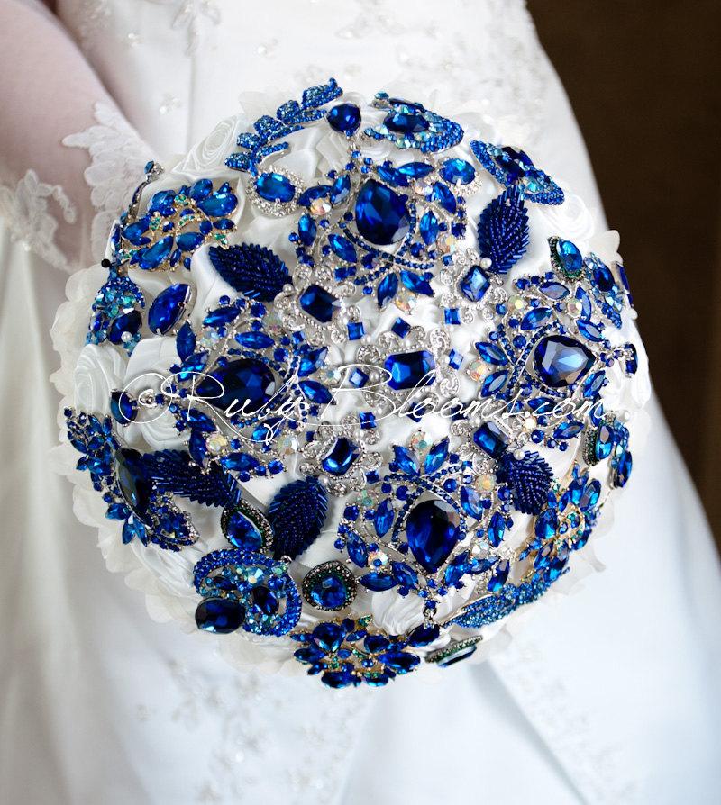 cobalt blue wedding bouquets photo - 1