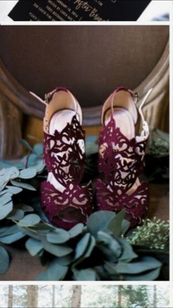 colored shoes with wedding dress photo - 1