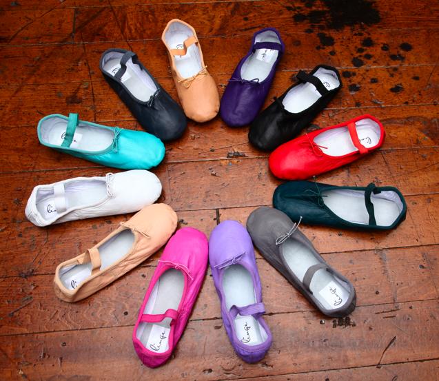 colorful bridal shoes photo - 1