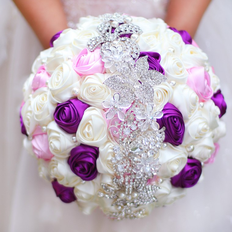 colorful wedding bouquets photo - 1