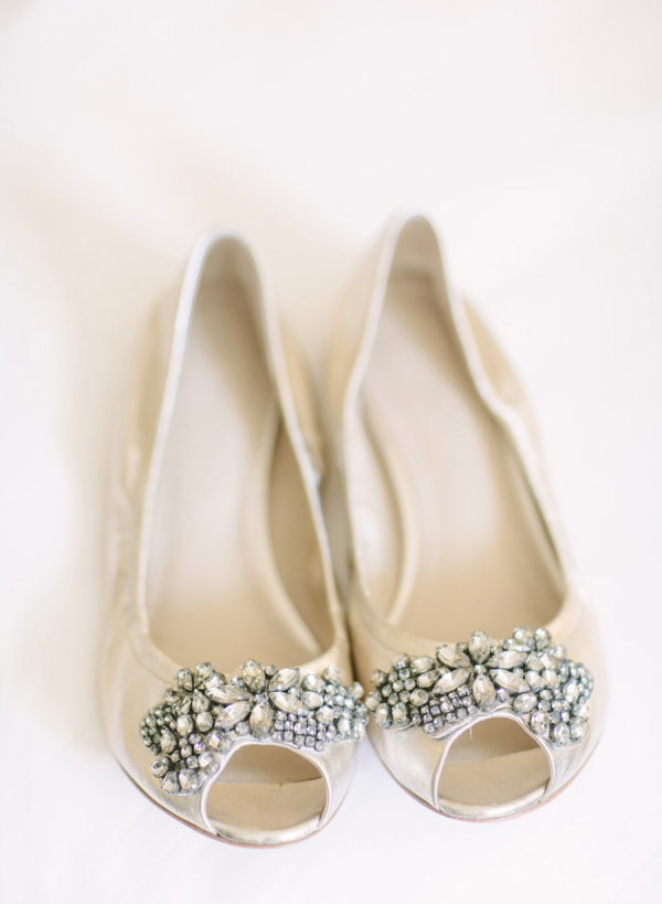 comfortable ivory wedding shoes photo - 1