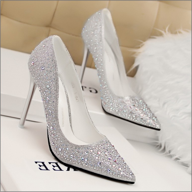 comfortable silver dress shoes for wedding photo - 1