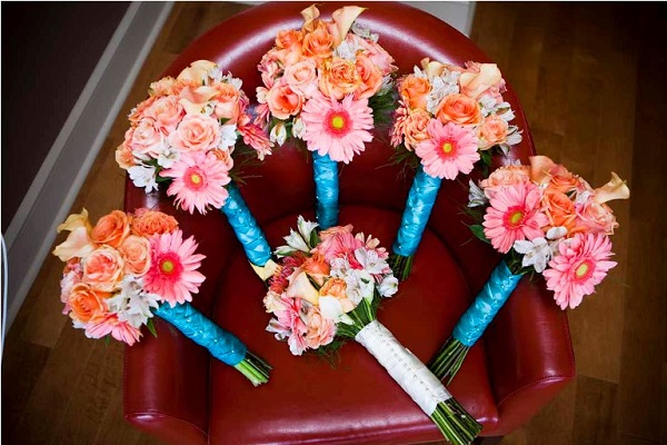 coral and teal wedding bouquets photo - 1