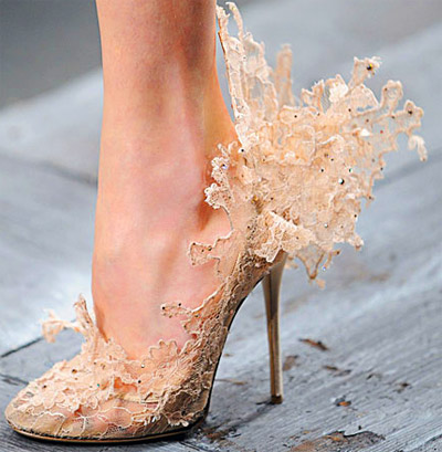 coral colored wedding shoes photo - 1