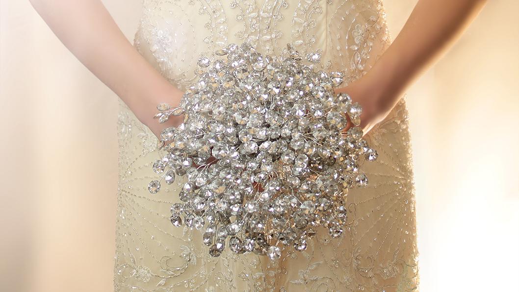 crystal wedding bouquets photo - 1