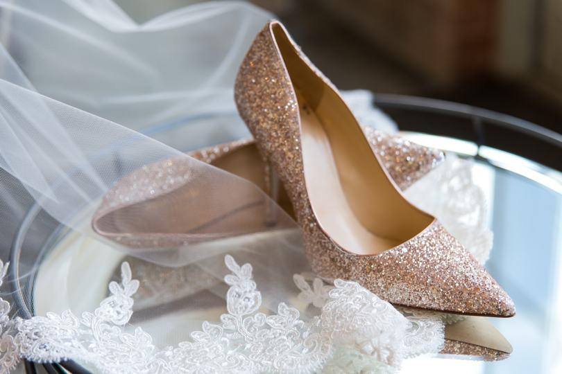 designer gold wedding shoes photo - 1