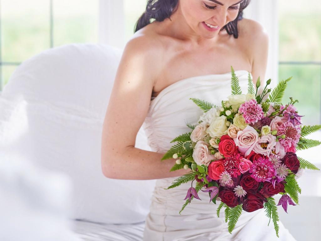 different wedding bouquets photo - 1