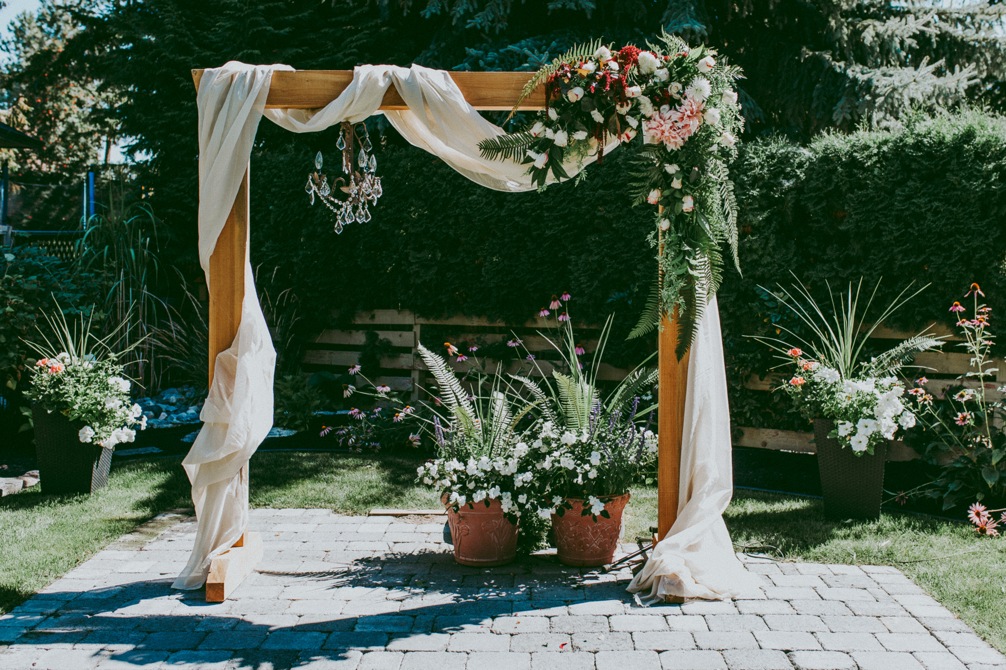 diy wedding arch flowers photo - 1