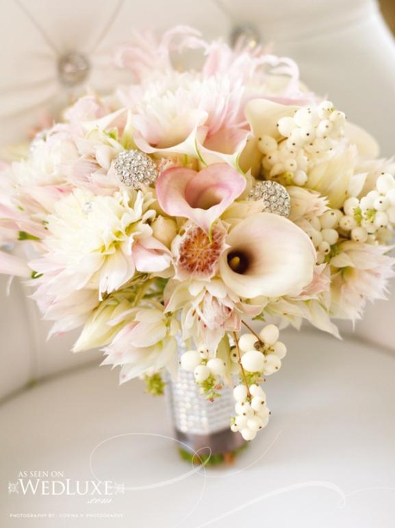 elegant wedding bouquets photo - 1