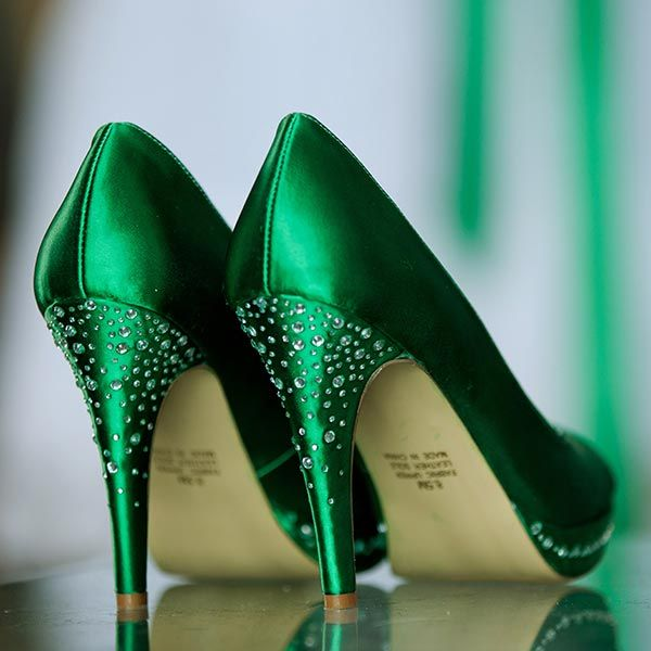 emerald green shoes for wedding photo - 1