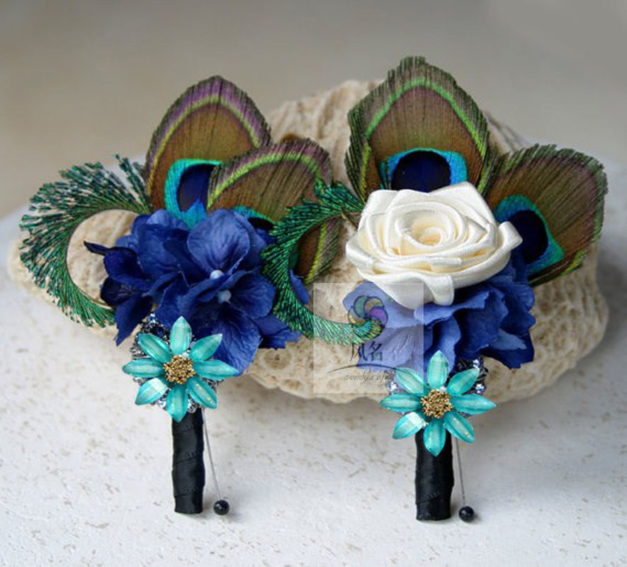 feather and flower wedding bouquets photo - 1