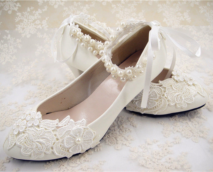 flat lace bridal shoes photo - 1