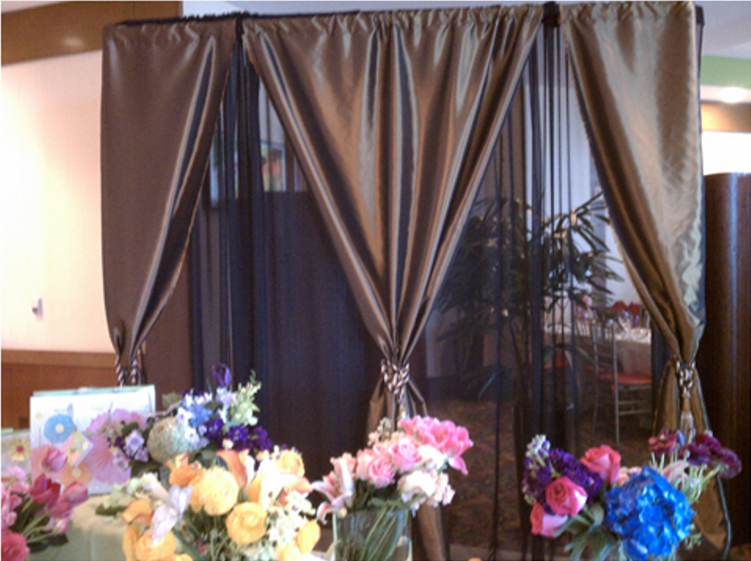 flower backdrop wedding photo - 1