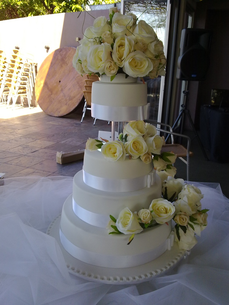 flowers for wedding cakes artificial photo - 1