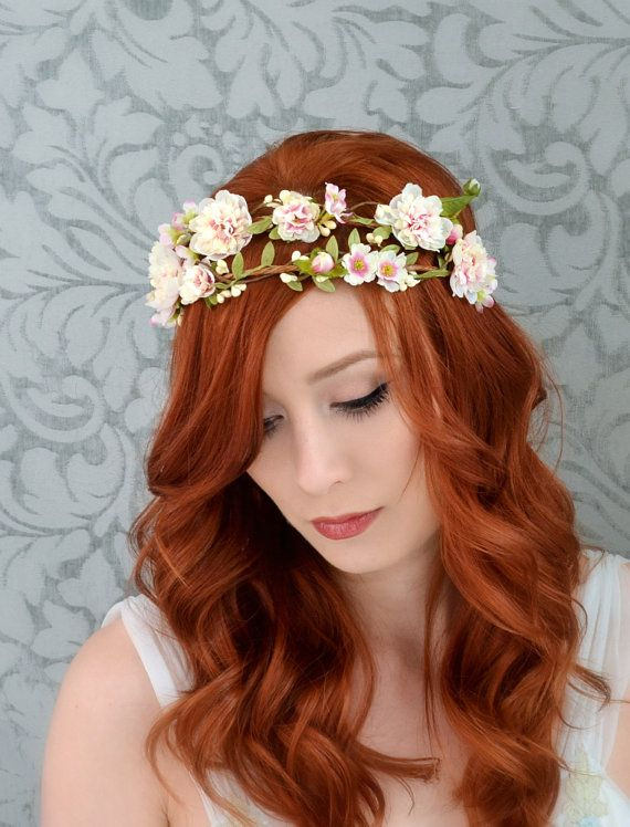 flowers in hair for wedding photo - 1