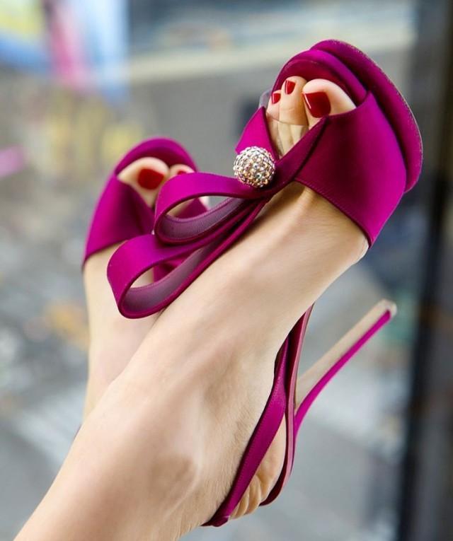 fuschia shoes for wedding photo - 1