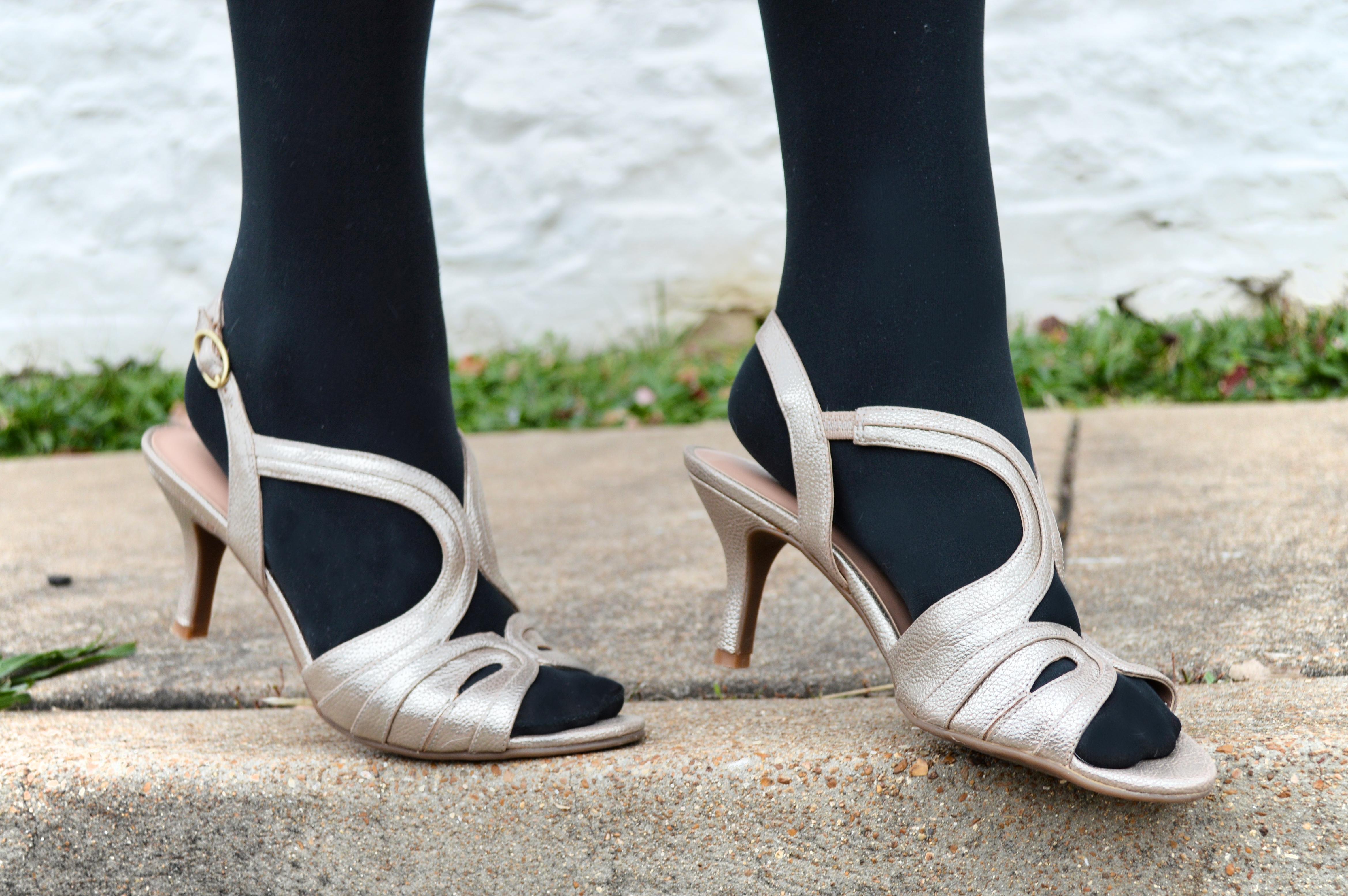 girls silver wedding shoes photo - 1