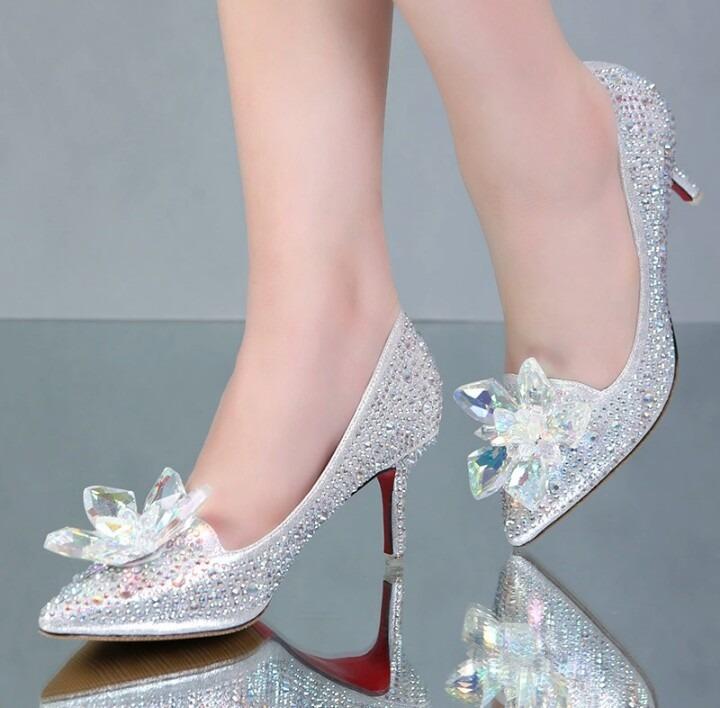 glass wedding shoes photo - 1