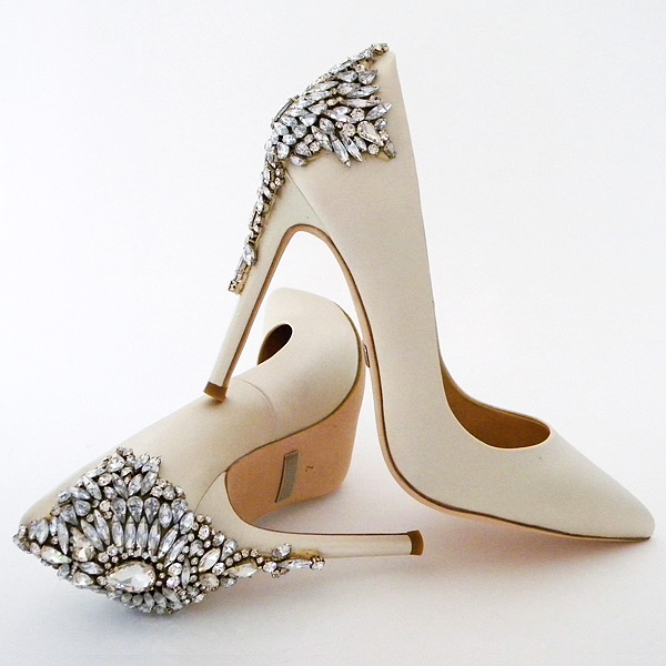 gold flat wedding shoes photo - 1