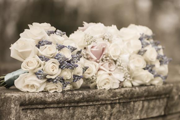 gold wedding bouquet photo - 1