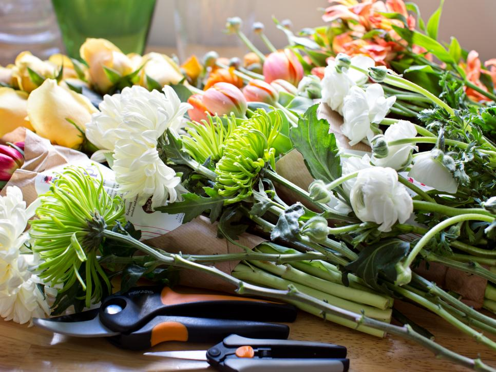 how to make wedding bouquets with fresh flowers photo - 1