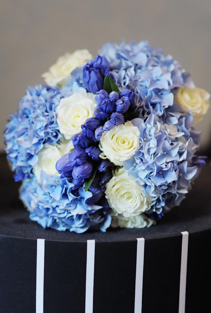 hydrangeas bridal bouquets photo - 1