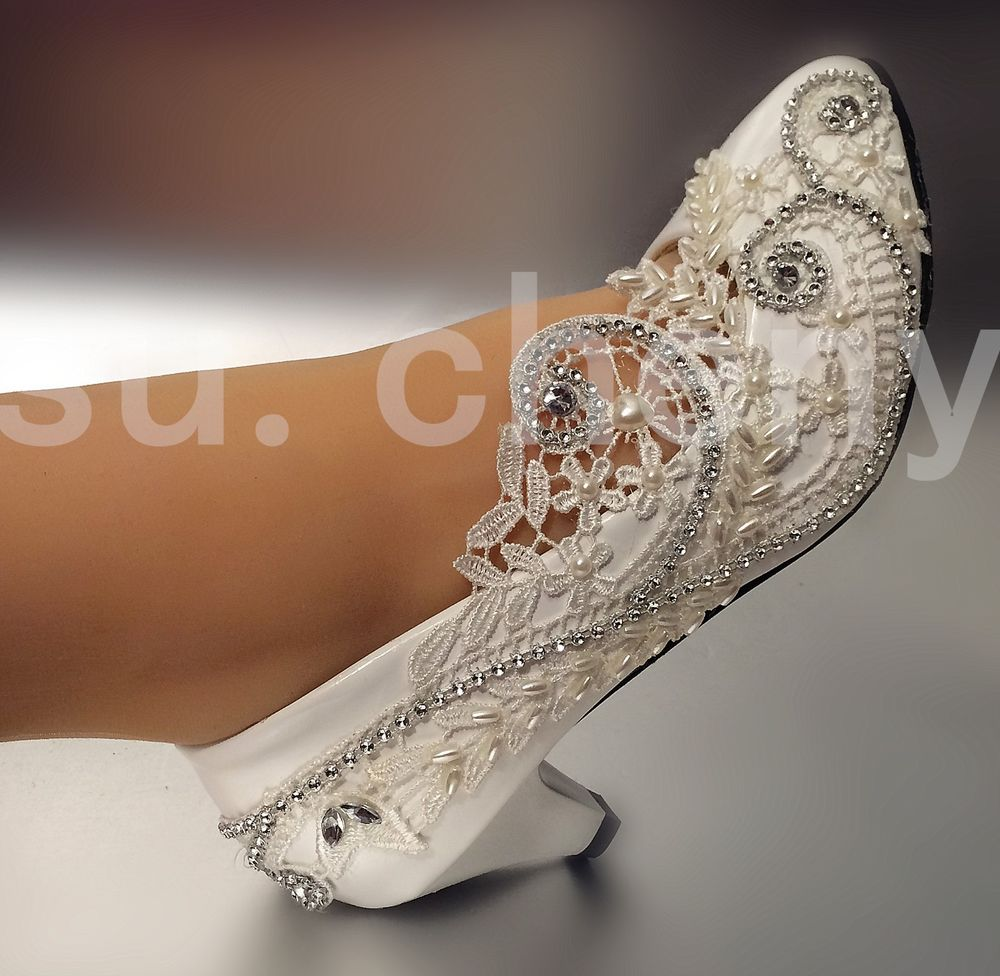ivory lace wedding shoes low heel photo - 1