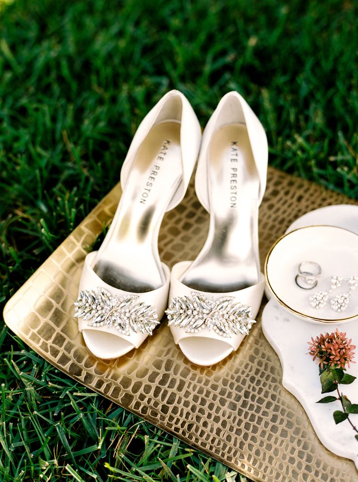 ivory wedding shoes photo - 1