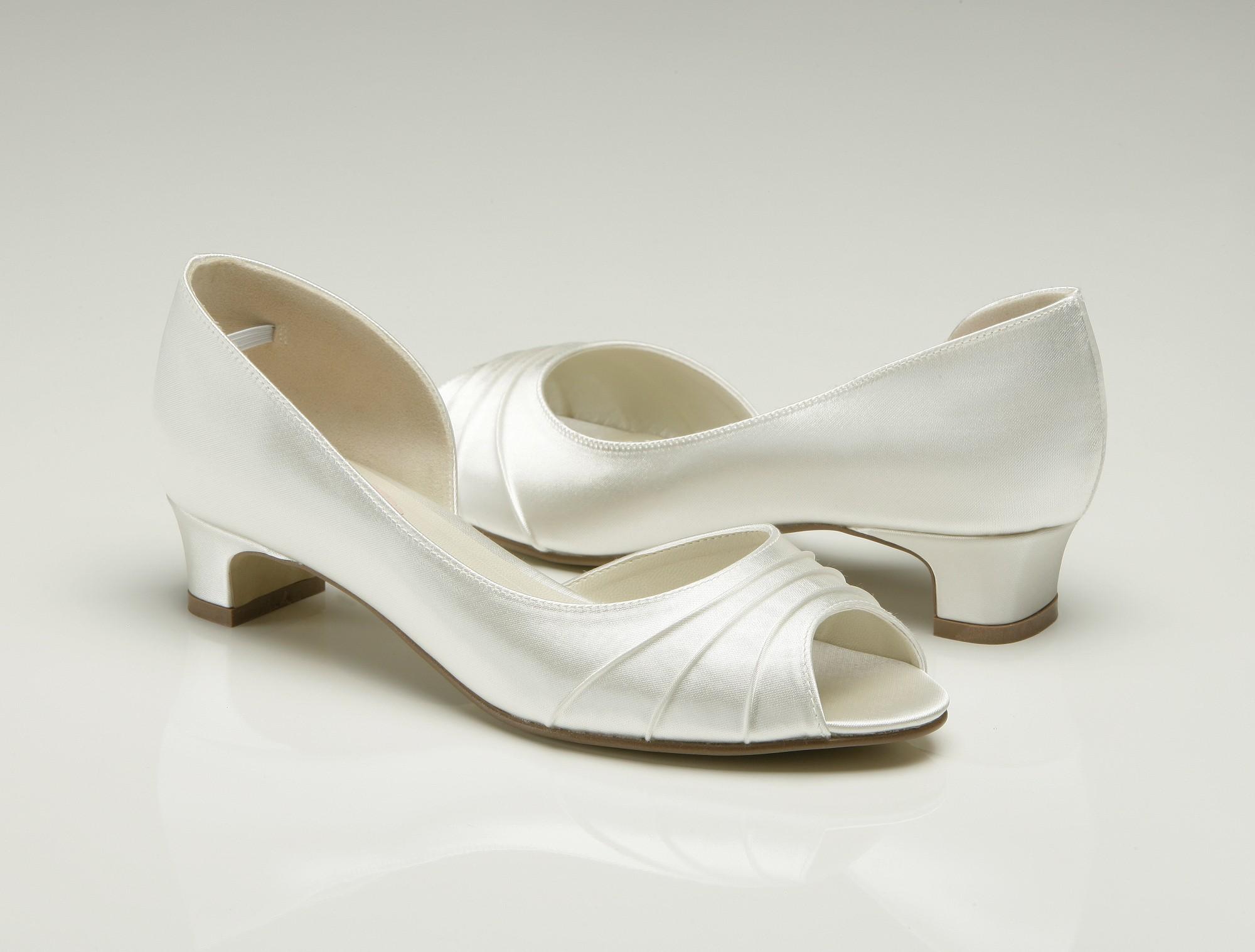 ivory wedding shoes wedges photo - 1
