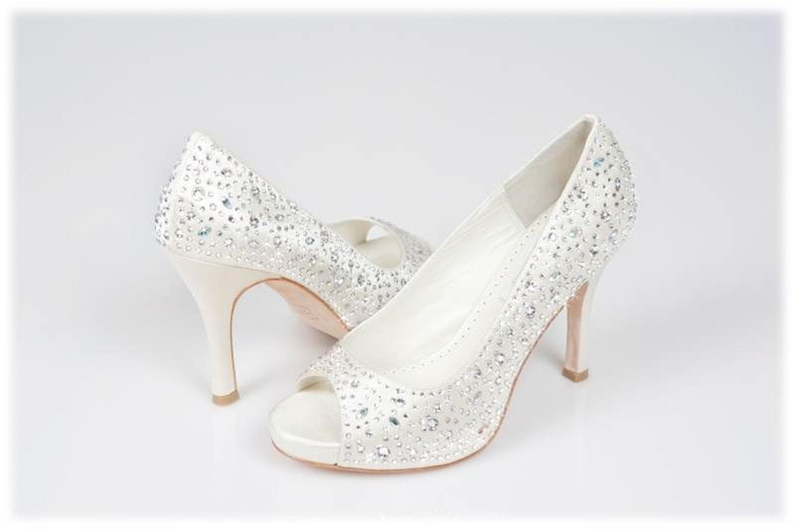 jeweled wedding shoes photo - 1