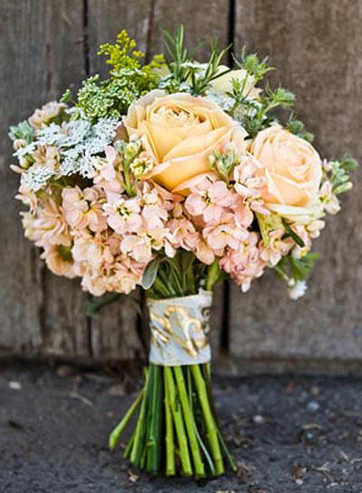 june wedding bouquets photo - 1