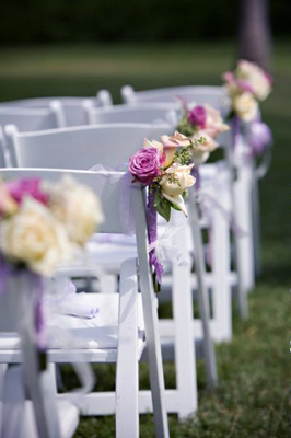 lavender and white wedding bouquets photo - 1
